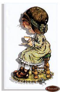 Девочка с чашкой